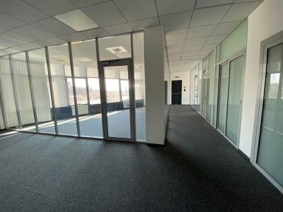 Бизнес центр на Бойчука 44 метро Выдубичи