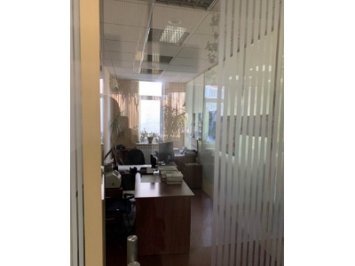 Фасадный офис на Бажана