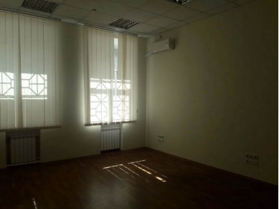 Аренда офиса с отдельным входом Дворец Украина